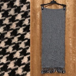 Accessories - Houndstooth Cashmere Scarf